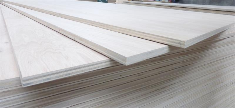 Red oak plywood with thicker core